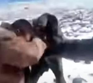 あ゛ぁ゛っ! 】 インドと中国の国境警備隊 ガチ殴り合い【やんのか?