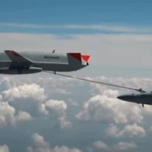☆ボーイングの新型無人機スティングレイ 世界初となる空中給油に成功