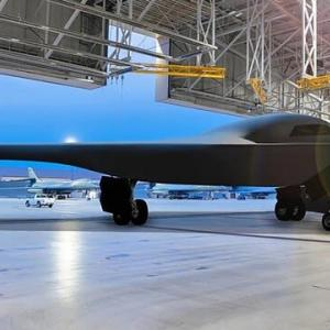 仕事が早い】米空軍 次期ステルス爆撃機B-21のテスト段階を整える