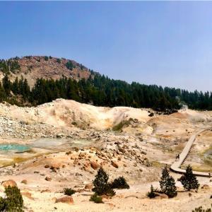 """カリフォルニア 火山の麓でキャンプ """"Lassen Volcanic NP"""""""