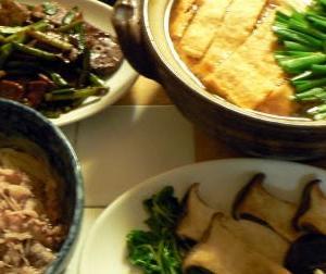 献立|鍋に油揚げは甘くて旨いね 豚野菜ナベ キノコ炒め レバニラ 冷麺