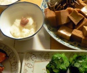 シンプル過ぎ?爺(私)にはちょうどいい 塩鮭 山芋 煮物 おひたし