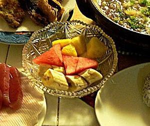 カレーなべには玉ねぎのみじん切り おにぎり2種 マグロ刺身 サバ竜田揚げ