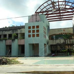 【サイパン】Abandoned Shopping Mall on the Island of Saipan !!【ラフェスタ 廃墟】