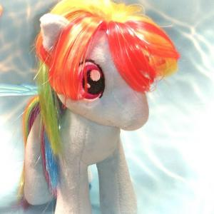 セレブ馬に大変身?よみがえったマイリトルポニー!人形の髪を直す方法