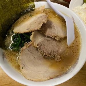 日ノ出町の老舗家系「たかさご家」本店のチャーシュー麺(並)とライス@日ノ出町