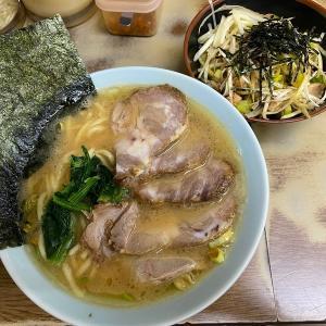 壱系総本山!「壱六家」磯子本店のチャーシューメン並と小ネギ丼@磯子
