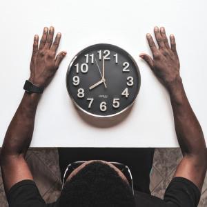 痩せたい人必見!「食事する時間」を変えるだけでダイエット効果がすごい!