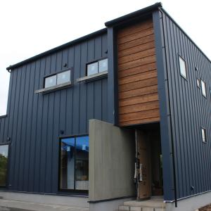 ガルバリウム鋼板を住宅に使うメリット・デメリットを紹介します!