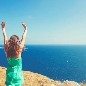 投信運用の手数料が成功報酬になると投資家は幸せになるか?