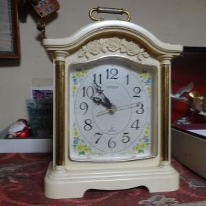 4つから5つに増えた。母の時計。