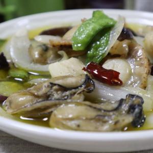 カギと牡蠣とホタテのアヒージョ