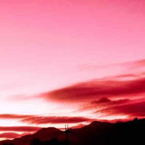 今日は、キンナンバー13赤い空歩く人赤い龍音13の1日です。