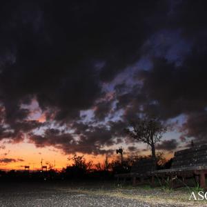 河原で見た夕空