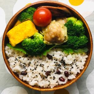 お赤飯弁当&タイラクタンガオの台湾カステラ
