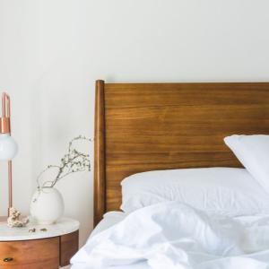 【遅刻を減らす】寒い日の朝にすぐ布団から脱出する5つの方法