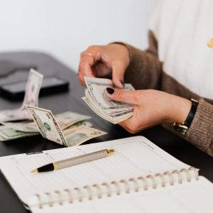 【雑記】給与をデジタル払い制度検討のメリット・デメリット