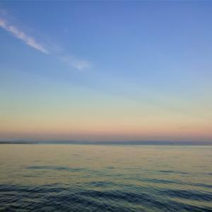 伊勢の海の朝ぼらけ