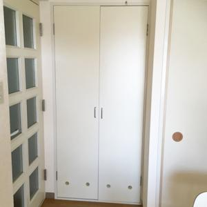 我が家の納戸を公開!!ミニマリストぽくはないけど、使いやすいよ。