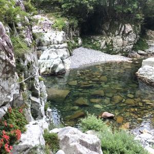 小川をパックラフトで川下り。憧れの柿太郎を回ってきた。