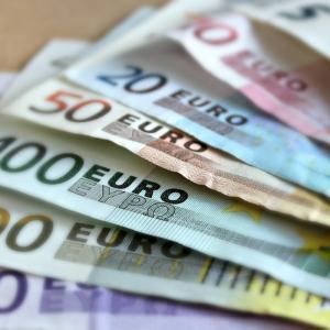 ヨーロッパ留学・長期滞在のお金の管理。オススメの銀行、海外送金、キャッシング方法の紹介
