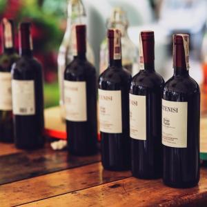 ワインは何本まで買っていい?帰国する際に注意したいお土産ルール