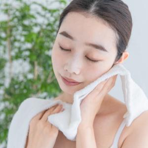 洗顔後に肌の質感を傷めずに拭けるセーム皮の魅力