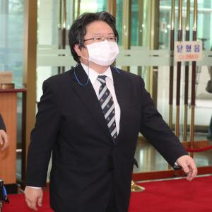 """韓国紙「警察、""""文大統領マスターベーション"""" 発言の日本公使、出国前まで捜査へ」韓国の反応"""