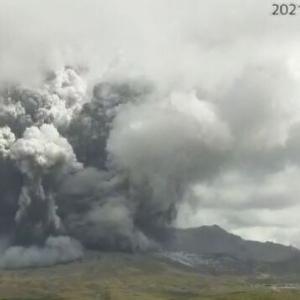 韓国紙「日本の活火山、阿蘇山噴火 ... 1㎞の距離に火砕流到達」韓国の反応