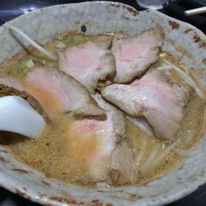 中区千代田にある札幌ラーメンの名店、八龍ラーメンを初訪問、濃厚で甘みのある白味噌は北海道系正統派の王道ラーメン。