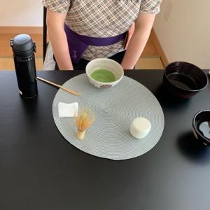 少し晴れた午後の茶道教室
