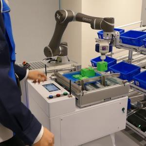 OMRON 「ATC-TOKYO」 人とモバイルロボットによる協調ピッキング