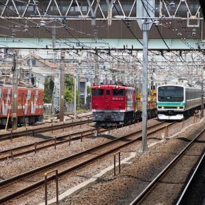 常磐線馬橋駅 EF65工臨3列車並びに遭遇 (2011年5月)