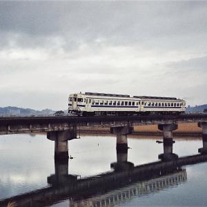 日南線曽山寺 キハ58系普通列車志布志行き (2000年1月)