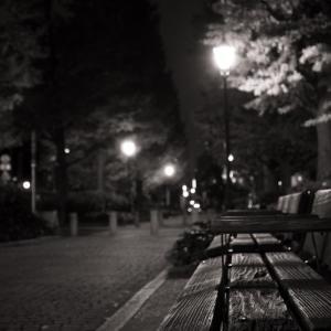 孤独な男はブログで社会性を維持する