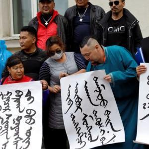 〇進む民族浄化 モンゴル語の代わり中国語使用を強要 香港の暴圧も更に激化