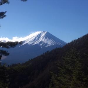 【冬でも登れる人気な山 三つ峠山】初心者にもオススメ 富士山も拝める絶景登山