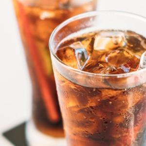 """""""コカ・コーラ""""の疑問を探求!原材料は?健康への影響は?"""
