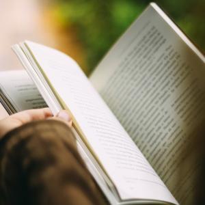 多読におすすめの本 ~海外ドラマ、映画、アニメを見るときにも役立つ本~