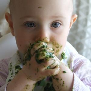 我が家で一番長く使えたおすすめ子育てNO.1便利グッズ!赤ちゃんから幼児まで!食事の時に大活躍!~子育て世代必須の時短アイテム~