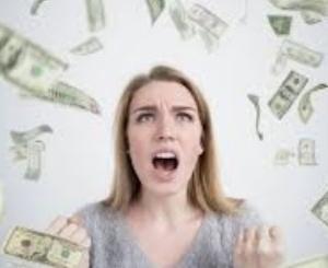 お金が貯まらない人の5つの特徴