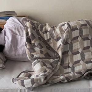 ゆったり眠るためのガーゼブランケット