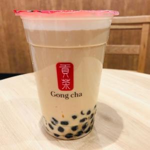 赤羽駅改札内にあるタピオカドリンクの店ゴンチャ (Gong cha)、いつでも行列が途切れない人気店!