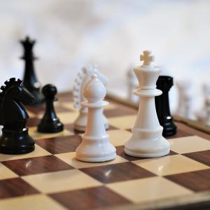 愛おしきチェス・レイモンドカップその⑨は中盤の劣勢をはね返すパーペチュアル・チェック!