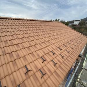 かわいいお家には瓦の屋根がよく似合う