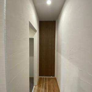 天井までのドア