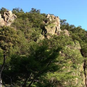 恵利原の鸚鵡石と天の岩戸(三重県志摩市)