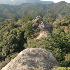伊勢山上の岩石信仰(三重県松阪市 飯福田寺)