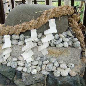 六請神社の力石大明神(京都府京都市)