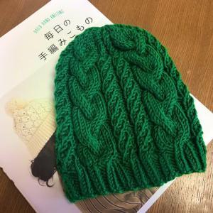 ケーブル模様の帽子 完成(仮)